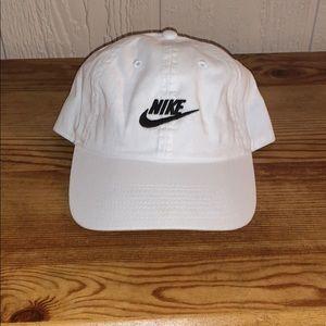 Nike strap back hat